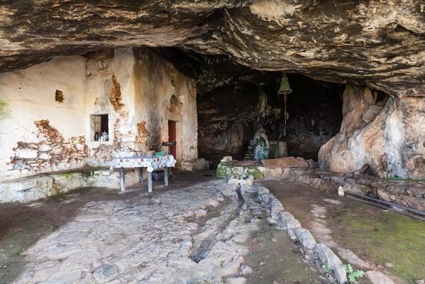 Είσοδος του σπηλαίου του Αγ. Ιωάννη