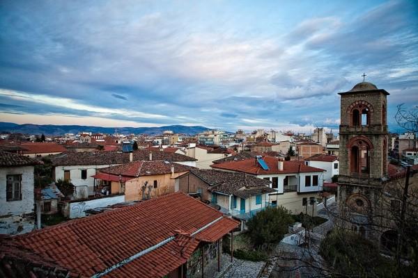 Θέα απο τον πύργο του ρολογιού. Σε πρώτο πλάνο η συνοικία του Βαρουσίου.