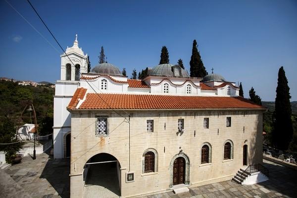 Εξωτερική όψη του ναού της Παναγίας Λιαουτσάνισσας