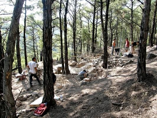 Αρχαιολογική έρευνα στη νεκρόπολη της Κυμισάλας.