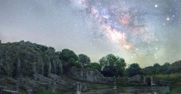 Αστροφωτογραφίζοντας το αρχέγονο «Γάλα της Ήρας»