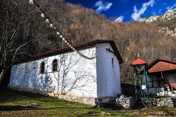 Η εκκλησία της Υπαπαντής που χτίστηκε απο την Ευγενία Ράικου το 1921 με εράνους και βοήθειες πολλών Ναουσαίων.