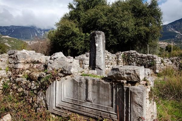 Παλαιοχριστιανικός ναός της Παναγίας Λαμποβίθρας