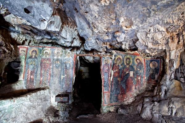 Σπήλαιο Αγ. Σοφίας