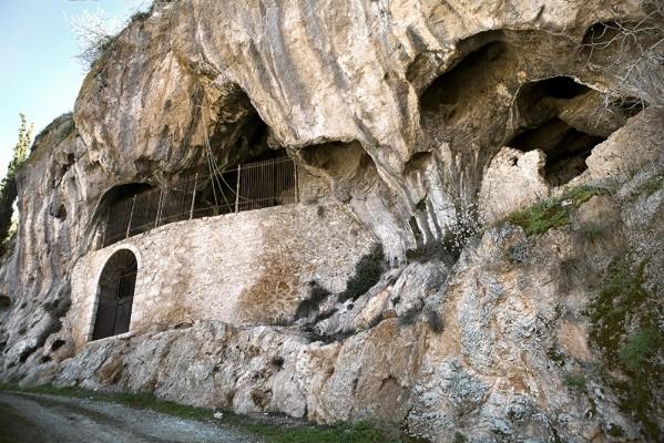 Το σπήλαιο του Τυριά