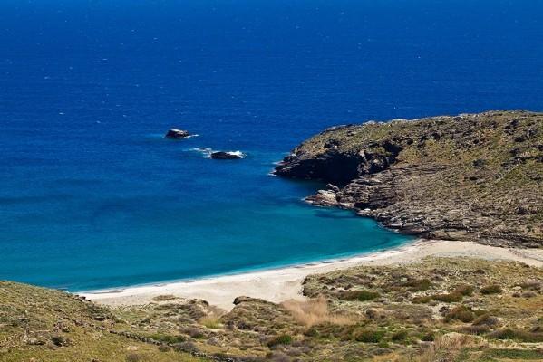 Η εξωτικής ομορφιάς παραλία Κρεμμύδες.