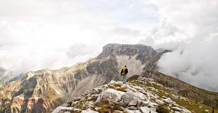 Ορειβατώντας στα υψίπεδα της Στρογγούλας