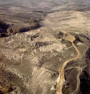 Άποψη της αρχαίας Αιανής από ανατολικά
