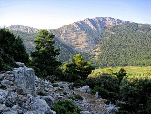 Περιοχή «Ακραµίτης–Αρµενιστής–Ατάβυρος», η οποία έχει ενταχθεί στο Ευρωπαϊκό δίκτυο οικοτόπων «Natura 2000»