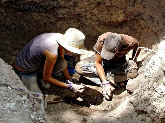 Ανασκαφή στη νεκρόπολη της Κυμισάλας.