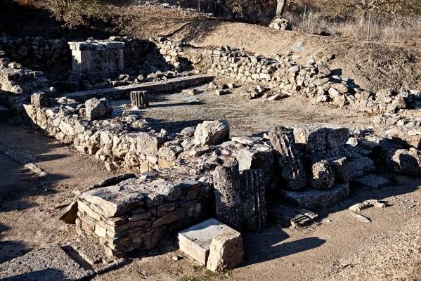 Άποψη από τον αρχαιολογικό χώρο της Αρχαίας Φενεού.
