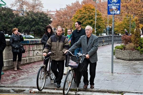 Η ύπαρξη των πολλών ποδηλάτων συμβάλλει στην διατήρηση ηρεμίας και καθαρής ατμόσφαιρας στην πόλη.
