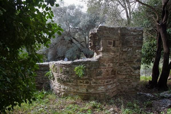 Ερείπια του ναού της Αγίας Φωτεινής