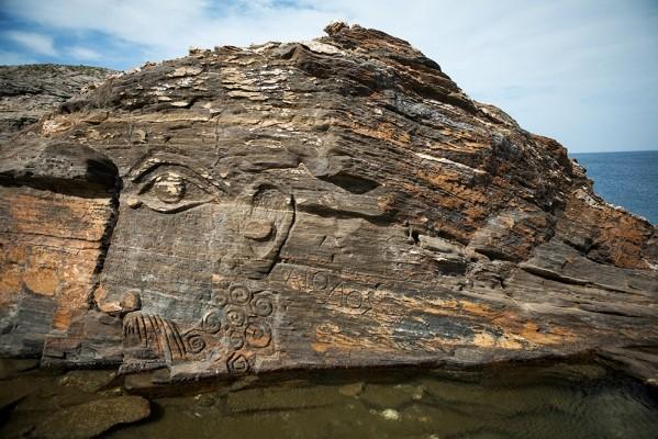 Ο ανάγλυφος Αίολος στους βράχους του Καβαλορκού
