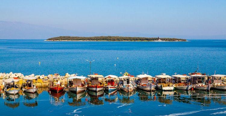 Από τις Νηες στον Πτελεό