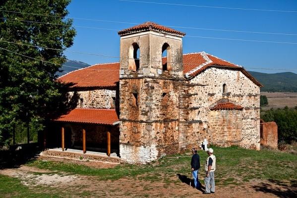 Η εκκλησία της Αγ. Παρασκευής, κτίσμα του 19ου αιώνα, όπως και όλες σχεδόν οι εκκλησίες των Κορεστείων.