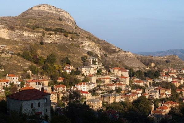 Κάτω Συνοικία Πενταλόφου και ο λόφος Γκραντίσκας ή Δόντι