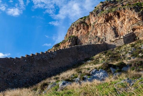 Οχυρωματικός περίβολος του κάστρου της Μονεμβασιάς