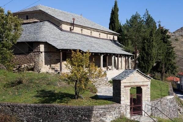Ο ναός του Αγίου Αχιλλείου Πενταλόφου χτισμενο το 1742