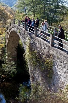 Θολωτό γεφύρι, από τα σημαντικότερα της Ανατ. Μακεδονίας.