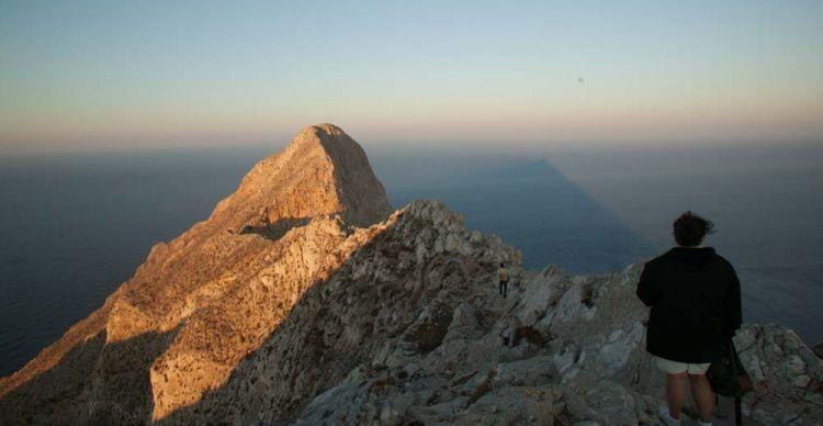 Ανάφη: Στον βράχο της Καλαμιώτισσας