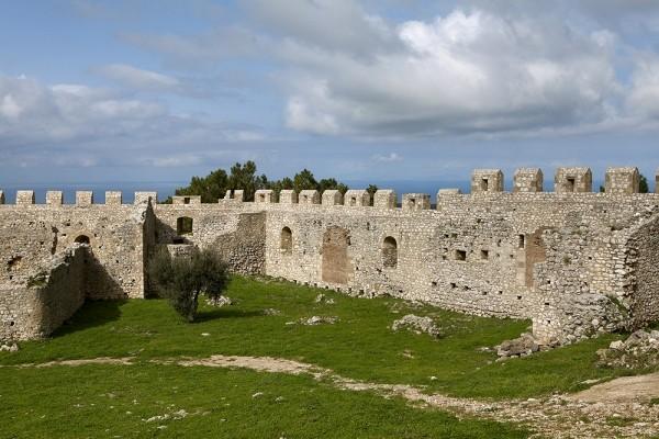 Μεσαιωνικό κάστρο Χλεμουτσίου