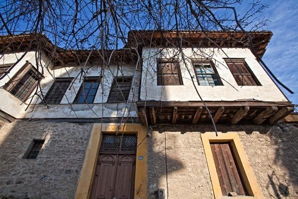 Παραδοσιακά σπίτια στο Βαρούσι.
