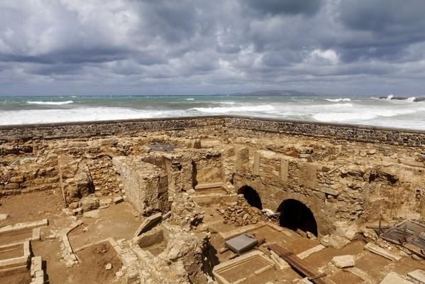 Ο περίβολος των τειχών του Αγ. Πέτρου