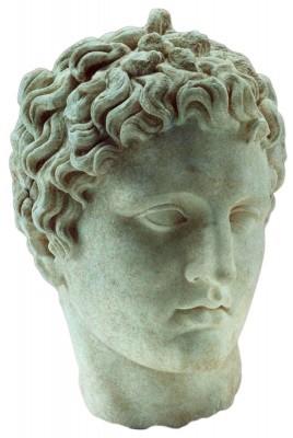 Κεφαλή μαρμάρινου αγάλματος του Ήρωος Μελεάγρου, που βρέθηκε το 2006 μπροστά από τον χώρο Ε  του συγκροτήματος του Σεβαστείου. 100 μ.Χ.