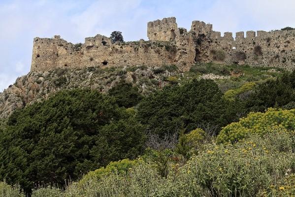 Νότια πλευρά του τείχους του Παλαιόκαστρου.
