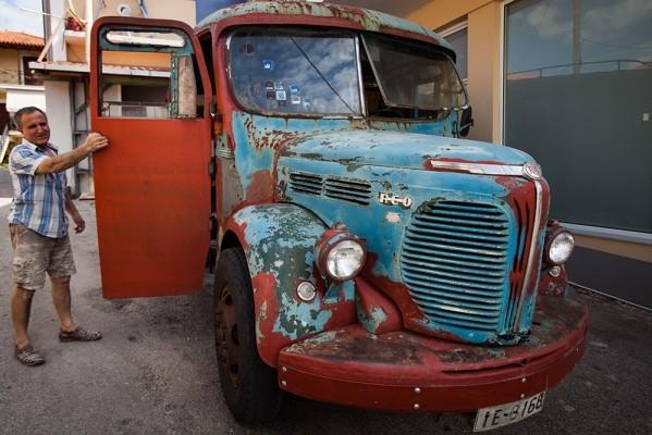Παλιό λεωφορείο REO του 1950