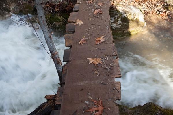Ξύλινο γεφυράκι