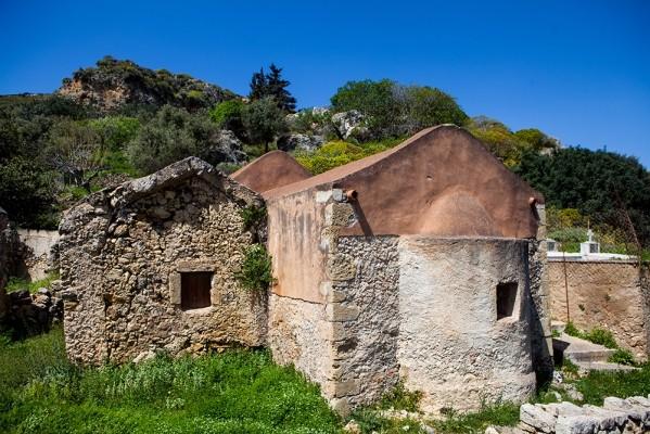 Μονή και μοναστηράκι στο Καβούσι, 13ου αιώνα.