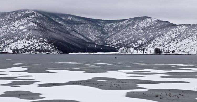 Χιονισμένες Λίμνες