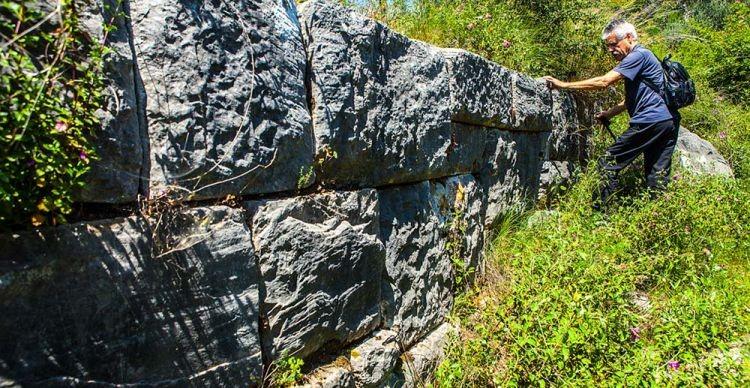 Βόρειο Πήλιο: Κεραμίδι - Ακρόπολη Κασθαναίας