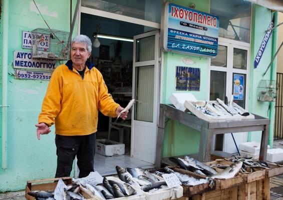 Στην παραδοσιακή ψαραγορά της πόλης