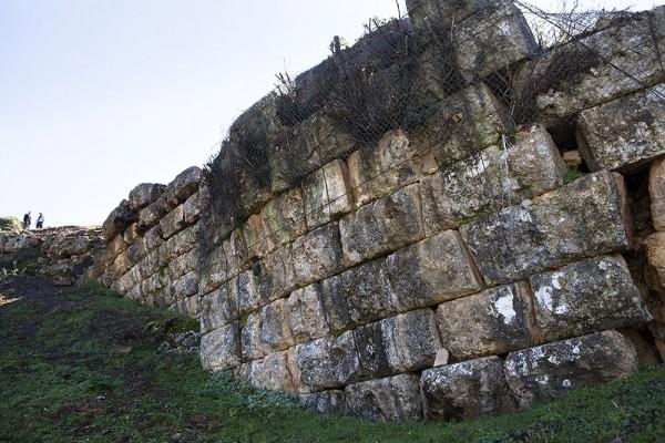 Οχυρωματικός περίβολος της πόλης των αρχαίων Φυσκέων