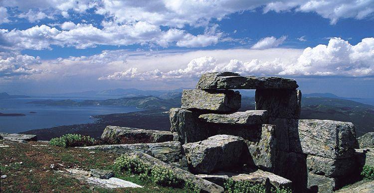 Δρακόσπιτα, τα μεγαλιθικά μνημεία της Εύβοιας