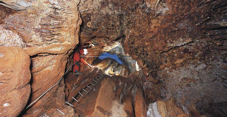 Τα σπήλαια της Καλύμνου