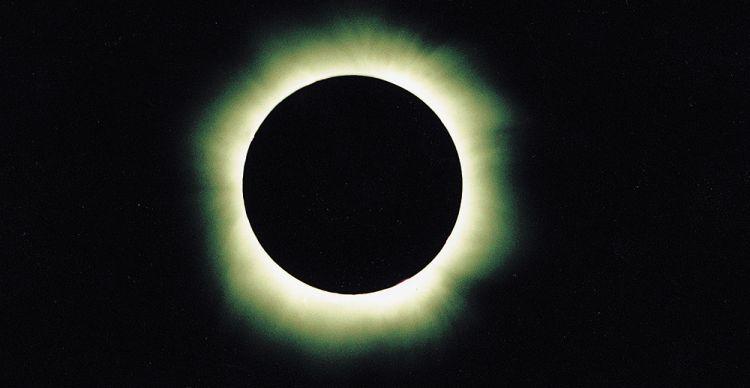 Έκλειψη  Ηλίου και  Έκλειψη Σελήνης