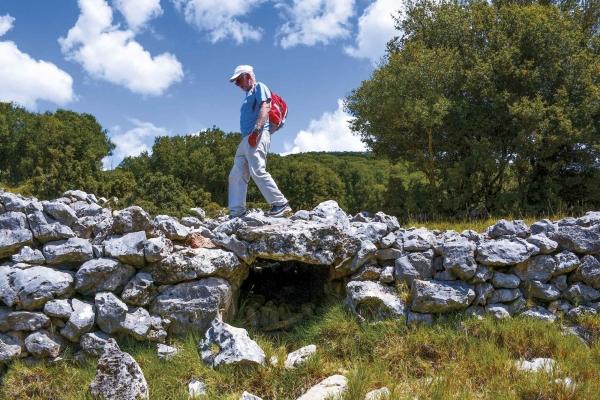 Διαδρομή 3 το γεφυράκι μυκηναϊκής τεχνοτροπίας στο Αρχαίο Μονοπάτι