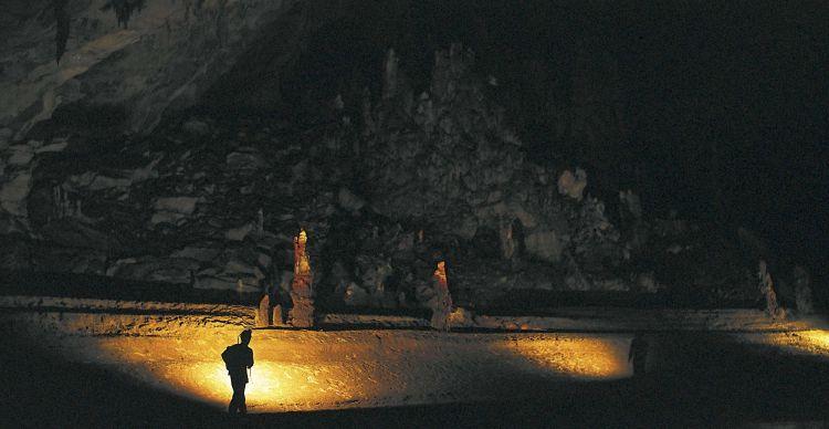 Σπήλαιο  Μααρά
